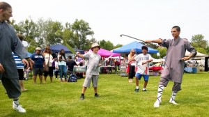 Shifu Justin and Shi Nicolas give trial lessons at the Cherry Park Festival
